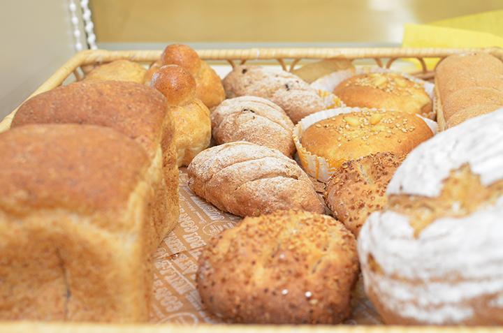 過去に生徒さんが作ったというパン。プロ顔負けの本格的な仕上がり