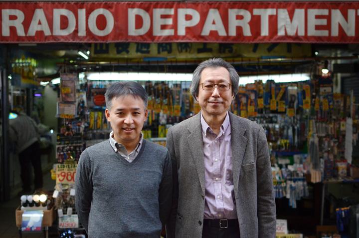 お話を伺った方:青山満氏 サンコウ電子株式会社代表(左)、持田昇一氏 さがし愛ネット合同会社代表(右)